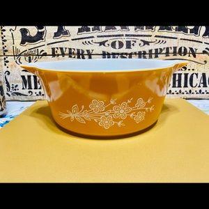 Vintage Pyrex Butterfly Gold 2 Bouquet Casserole